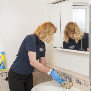 A house cleaner working for Starlet house cleaning services London